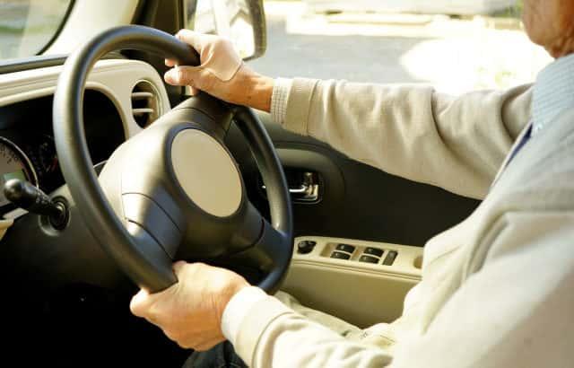 高齢者実車試験とサポカー限定免許導入か