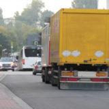 大型トラックの振り出しは危険!