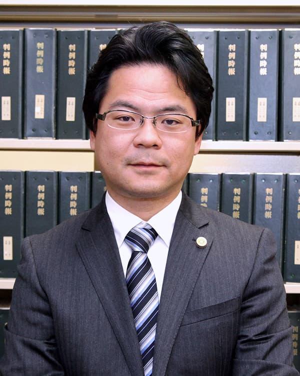 西日本綜合法律事務所 代表宮地 慎二